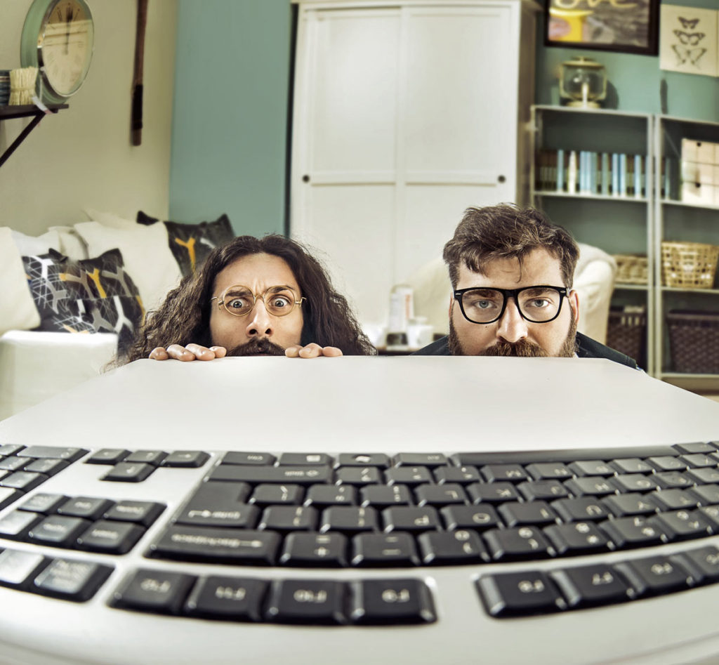 2-guys-at-computer